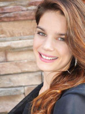 Julie Abbouu